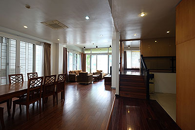 Lakeside apartment in Nhat Chieu, 03 bedrooms, fully furnished