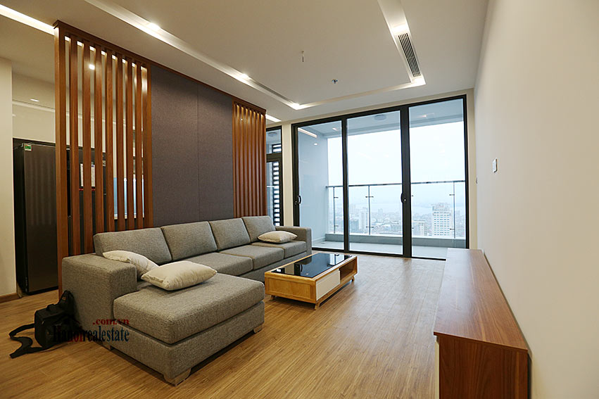 Lakeview apartment in M1, Vinhomes Metropolis, 4 beds 3