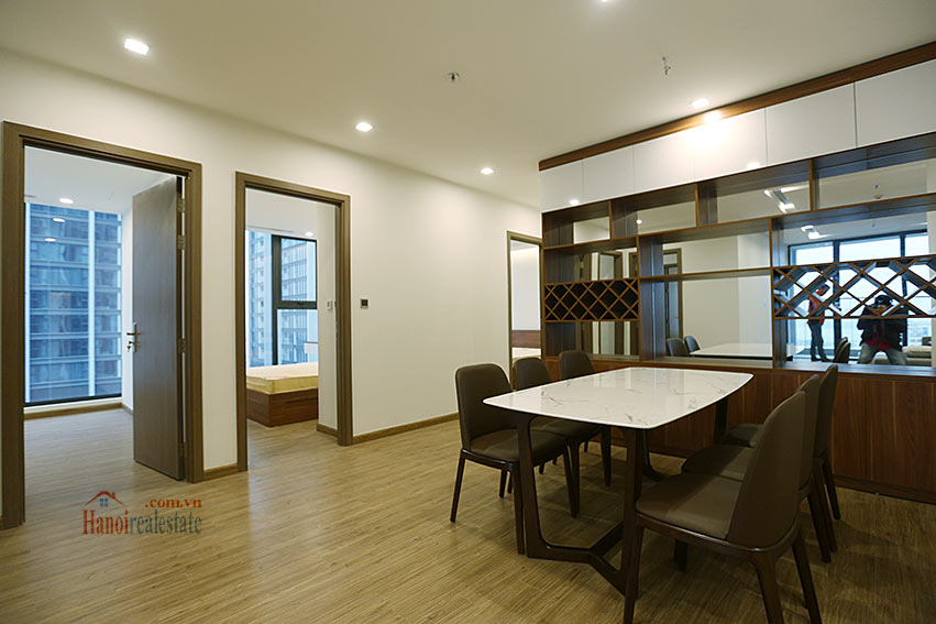 Lakeview apartment in M1, Vinhomes Metropolis, 4 beds 7