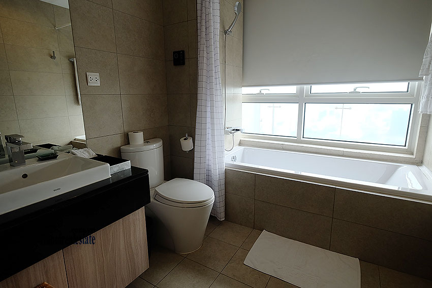 Lancaster: Elegant 03BRs serviced apartment, balcony with city view 8