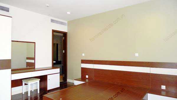 Lancaster Hanoi furnished apartment for rent on high floor, 3 bedrooms 17