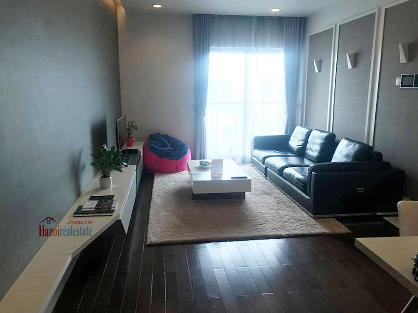 Lancaster: Newly renovated 03BRs serviced apartment, balcony with city view 1