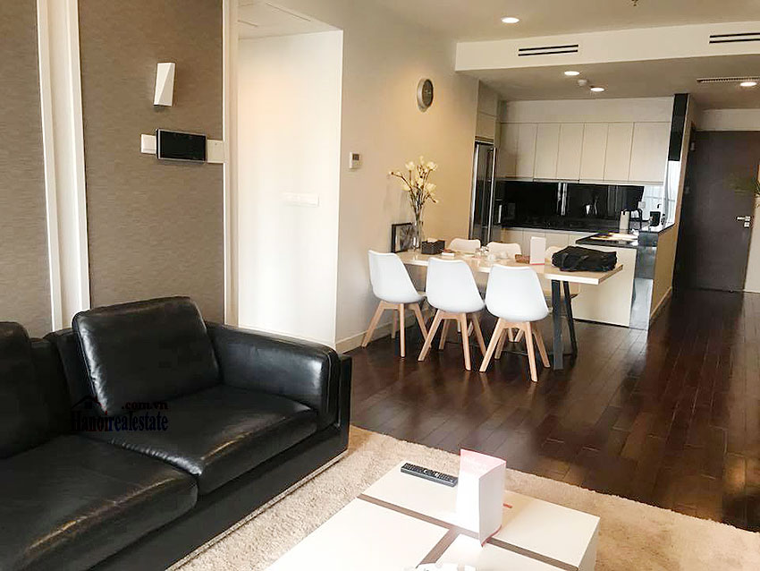 Lancaster: Newly renovated 03BRs serviced apartment, balcony with city view 3