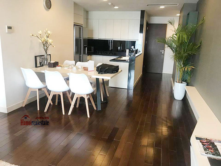 Lancaster: Newly renovated 03BRs serviced apartment, balcony with city view 4