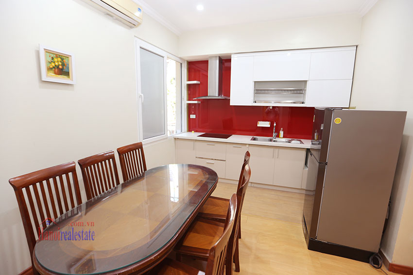 Large one bedroom apartment, lots of light, near West Lake 3