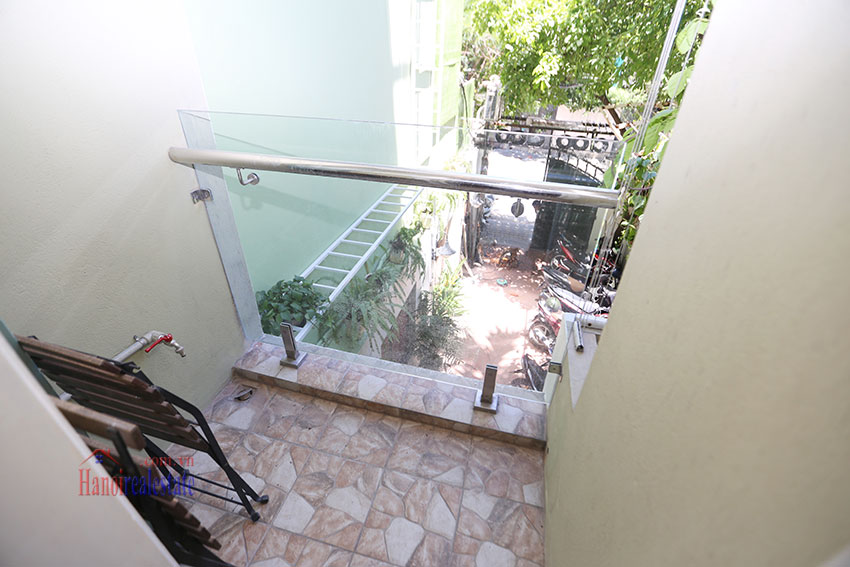 Large one bedroom apartment, lots of light, near West Lake 7
