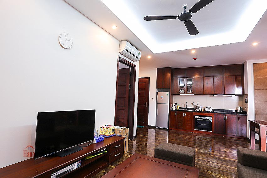 Lovely 01BR apartment at Hoang Quoc Viet, balcony 3