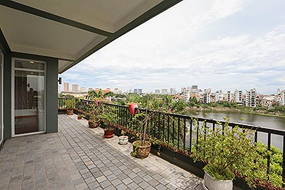 Lovely and quiet lake view spacious 04BRs apartment on Au Co