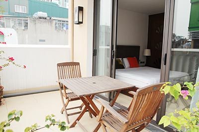 Lovely balcony, serviced 1 bedroom apartment to let in Hoan Kiem, Hanoi