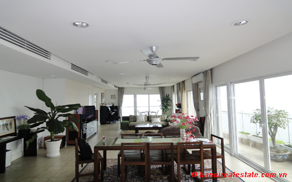 Luxury 4 bedrooms apartment for lease with panoramic West Lake views at Golden-Westlake 1