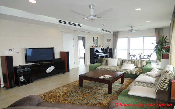 Luxury 4 bedrooms apartment for lease with panoramic West Lake views at Golden-Westlake 3