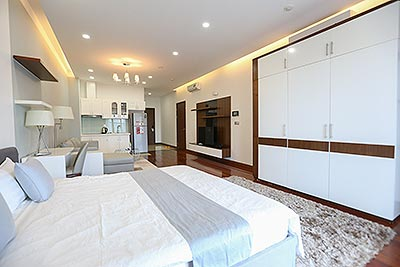 Luxury and spacious Studio in Cau Giay District, short distance to Westlake