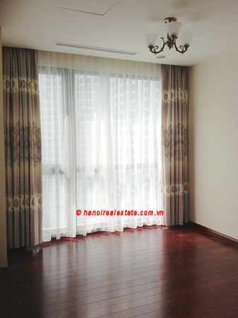 Luxury Apartment for rent at R1 12th floor of Royal City Hanoi, 3 bedrooms 7