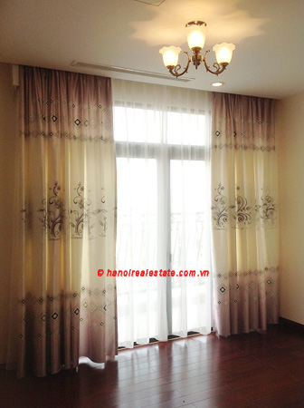 Luxury Apartment for rent at R1 12th floor of Royal City Hanoi, 3 bedrooms 9