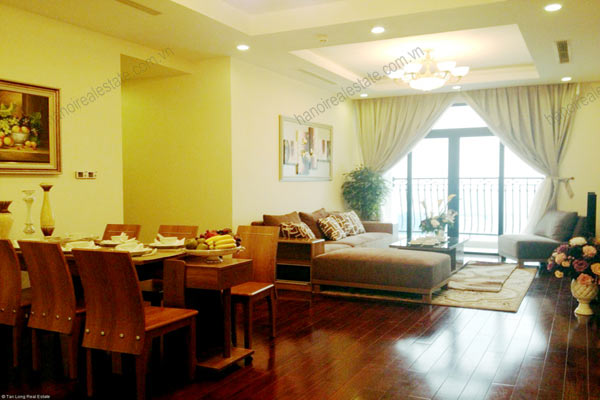 Luxury furnished apartment at Royal City Hanoi for rent, 3 bedrooms 2