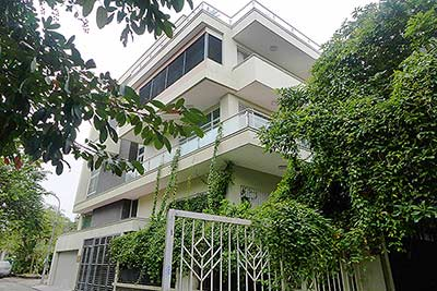 Luxury Modern villa with Large rooftop Terrace over looking Hanoi West Lake