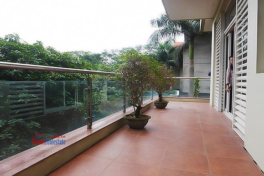 Luxury Modern villa with Large rooftop Terrace over looking Hanoi West Lake 22
