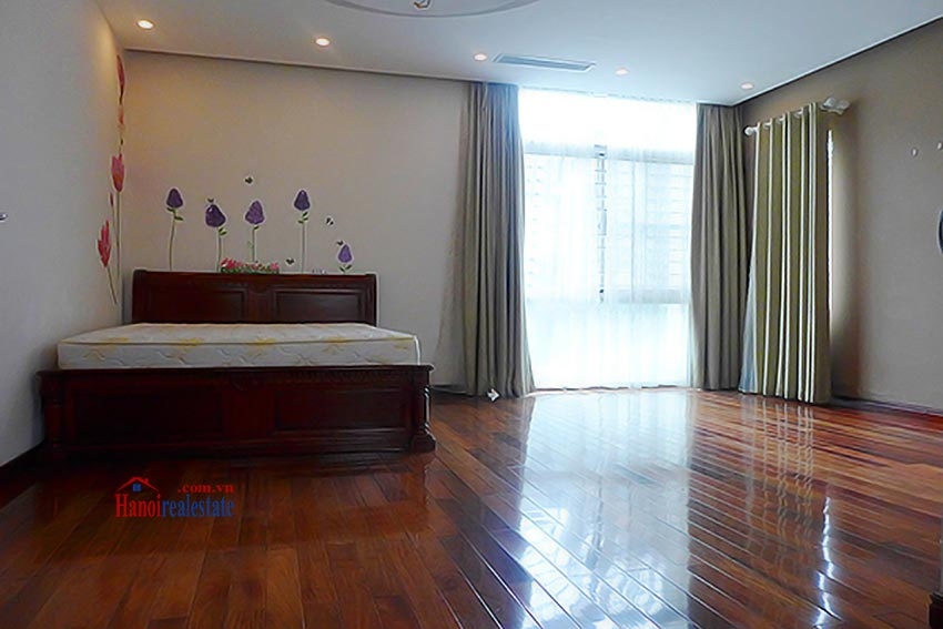 Luxury Modern villa with Large rooftop Terrace over looking Hanoi West Lake 25