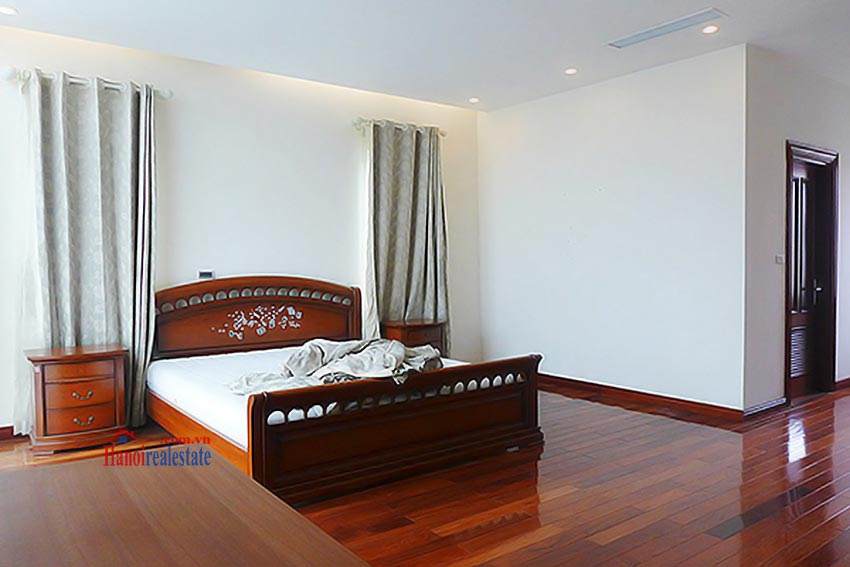 Luxury Modern villa with Large rooftop Terrace over looking Hanoi West Lake 31