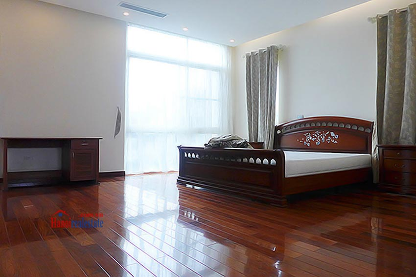 Luxury Modern villa with Large rooftop Terrace over looking Hanoi West Lake 32