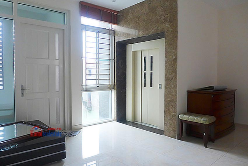 Luxury Modern villa with Large rooftop Terrace over looking Hanoi West Lake 39