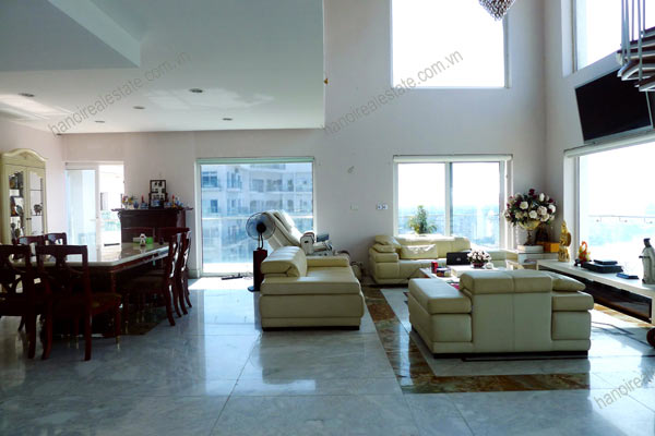 Luxury spacious penthouse with large terrace on top floor Golden Westlake 10