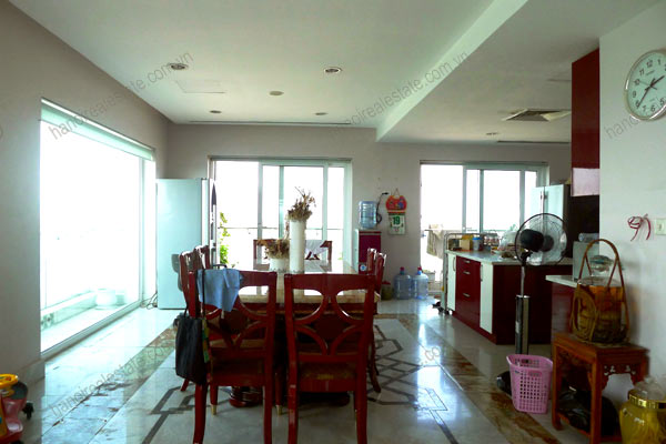 Luxury spacious penthouse with large terrace on top floor Golden Westlake 16