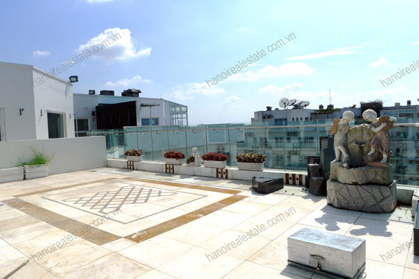 Luxury spacious penthouse with large terrace on top floor Golden Westlake 13