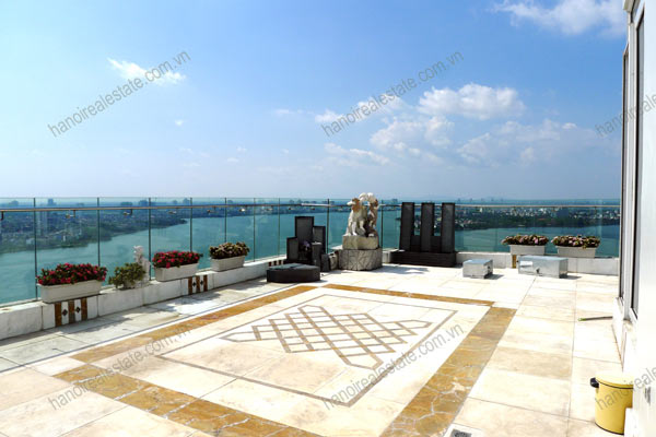 Luxury spacious penthouse with large terrace on top floor Golden Westlake 14