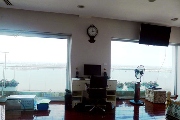 Luxury spacious penthouse with large terrace on top floor Golden Westlake 7