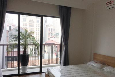 Modern 01 bedroom apartment close to Vincom Towers, brand new