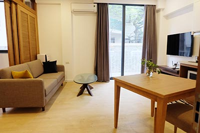 Modern 01BR serviced apartment at Dao Tan, with balcony