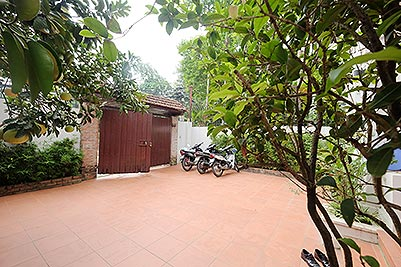 Modern 04 bedroom house to rent in Tay Ho with Front yard and Terrace
