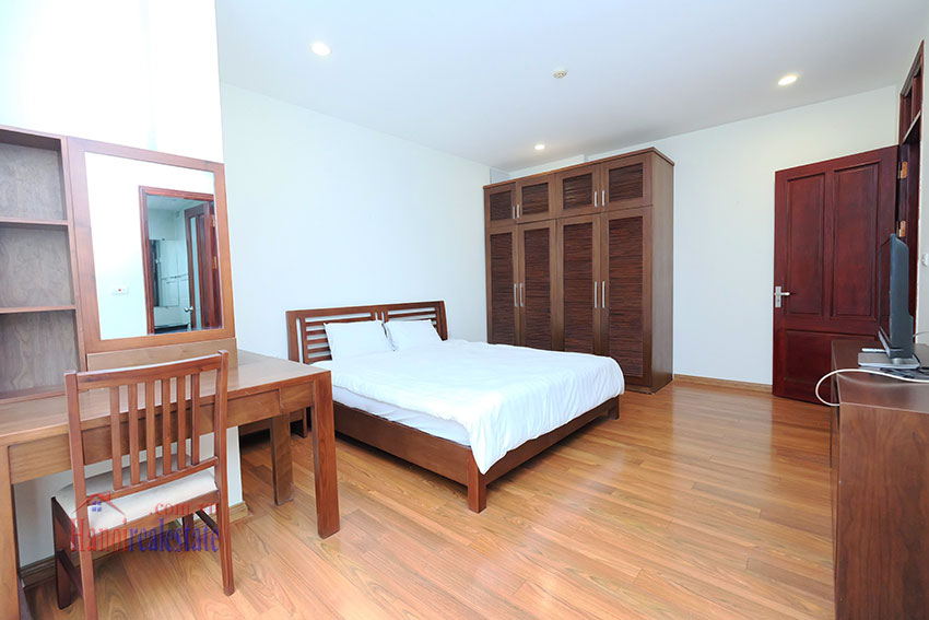 Modern 2-bedroom apartment to rent in the heart of Hoan Kiem 11