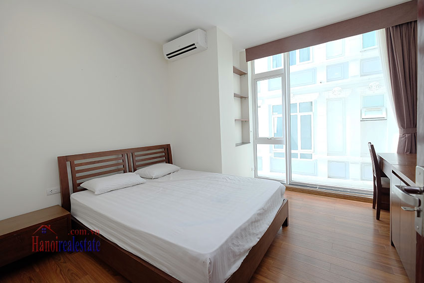 Modern 2-bedroom apartment to rent in the heart of Hoan Kiem 13