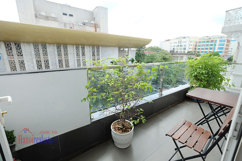 Modern 2-bedroom apartment to rent in the heart of Hoan Kiem 5