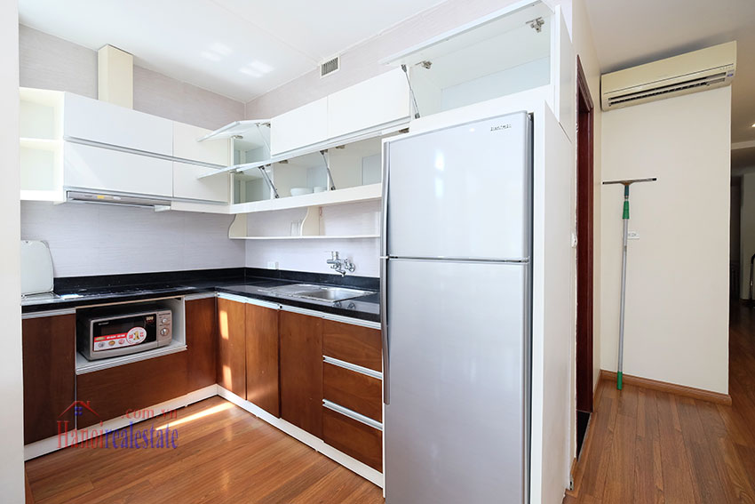 Modern 2-bedroom apartment to rent in the heart of Hoan Kiem 8