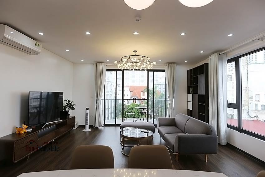 Modern 3-bedroom apartment to rent in Tay Ho with balcony & fully furnished 4