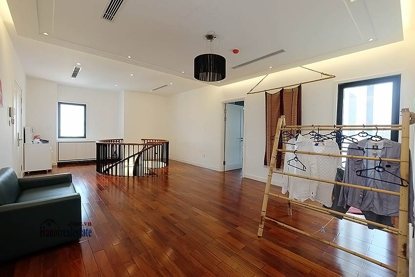 Modern 3-bedroom duplex apartment to rent on Ly Nam De, Hoan Kiem 12
