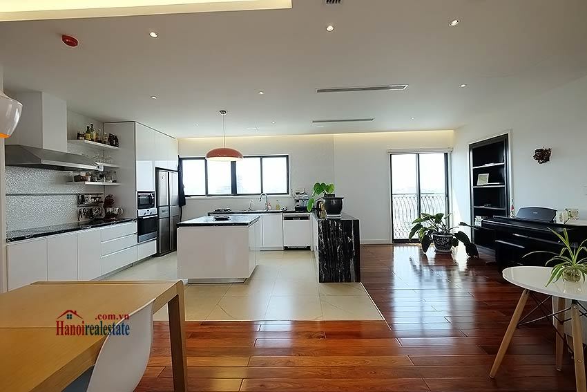 Modern 3-bedroom duplex apartment to rent on Ly Nam De, Hoan Kiem 4