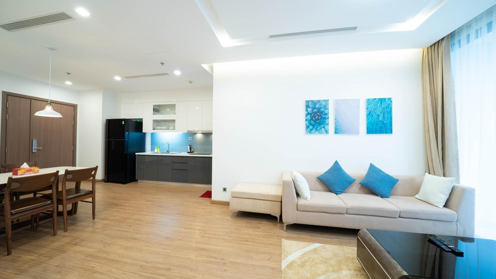 Modern and New 2 Bedroom Apartment for rent in Vinhomes Metropolis Hanoi