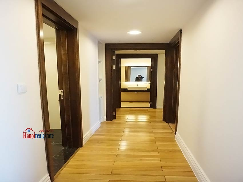 Modern apartment to let in Hoang Thanh Tower, Hai Ba Trung, Hanoi 6