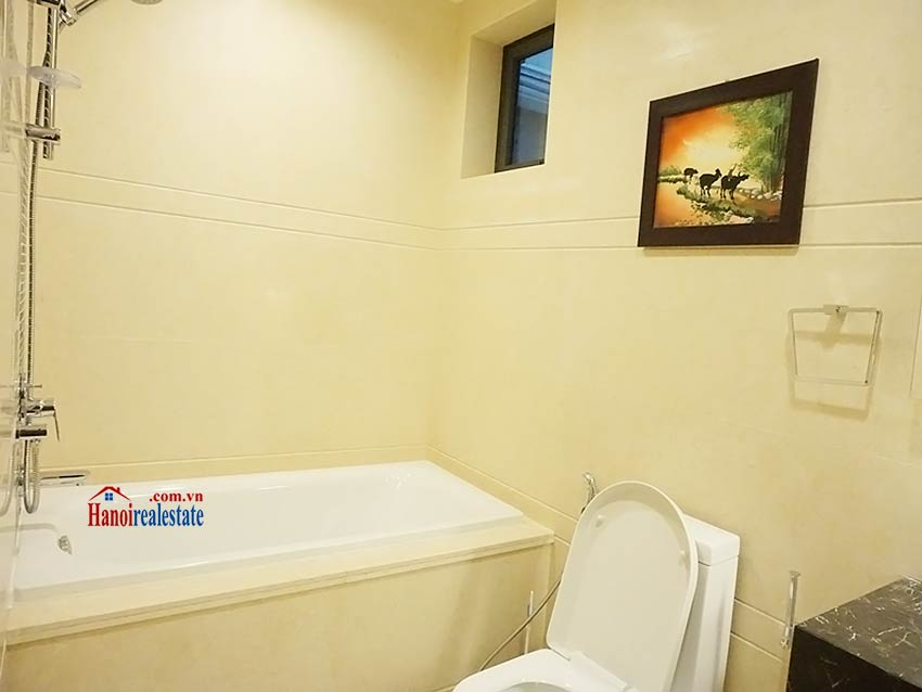 Modern apartment to let in Hoang Thanh Tower, Hai Ba Trung, Hanoi 9