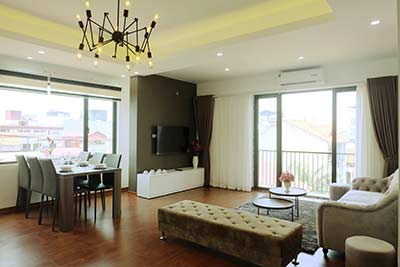 Modern apartment to let in Xuan Dieu, 2 bedrooms, near Fraser Suites