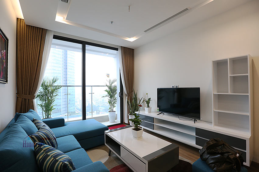 Modern design apartment with 02 beds in Vinhomes Metropolis, Lieu Giai street 3