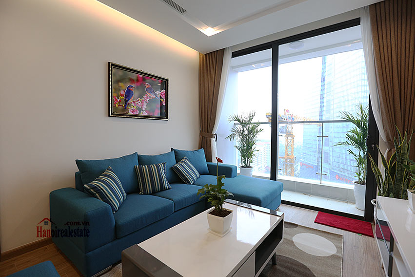 Modern design apartment with 02 beds in Vinhomes Metropolis, Lieu Giai street 4