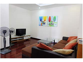 Modern fully furnished 03BRs apartment for rent at Royal City, good view