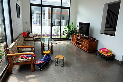 Modern house for rent in Thuy Khue, quiet alley