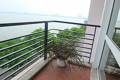 Modern house in Tay Ho with panoramic Westlake view