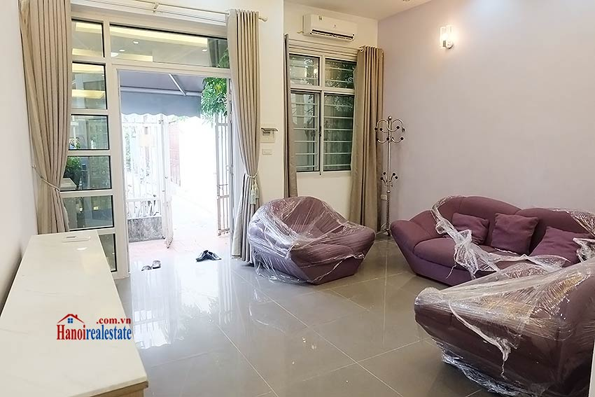Modern house to let in Tay Ho Westlake with garden and top floor terrace 2
